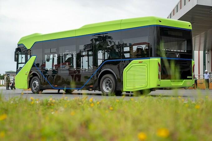 VinFast hoàn thành chạy thử xe buýt điện